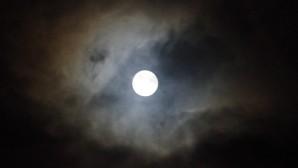 maan-op-zondag-1